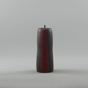 Shoujou red colored jar with lid by Akira Yamada